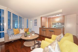 """Photo 5: 1907 565 SMITHE Street in Vancouver: Downtown VW Condo for sale in """"VITA"""" (Vancouver West)  : MLS®# R2298789"""