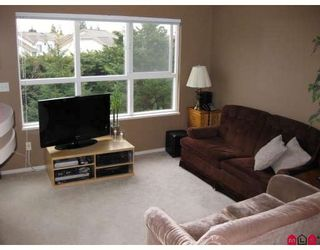 "Photo 2: 308 10186 155TH Street in Surrey: Guildford Condo for sale in ""SOMMERSET"" (North Surrey)  : MLS®# F2905809"