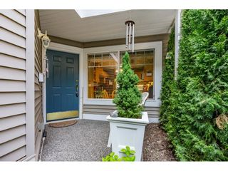 """Photo 4: 15 35253 CAMDEN Court in Abbotsford: Abbotsford East Townhouse for sale in """"Camden Court"""" : MLS®# R2600952"""