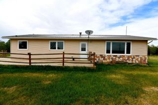 Main Photo: 15104 Township Road 402 in Rural Paintearth No. 18, County of: Rural Paintearth County Detached for sale : MLS®# A1114036