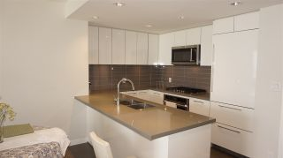"""Photo 3: 2709 3093 WINDSOR Gate in Coquitlam: New Horizons Condo for sale in """"THE WINDSOR BY POLYGON"""" : MLS®# R2340813"""