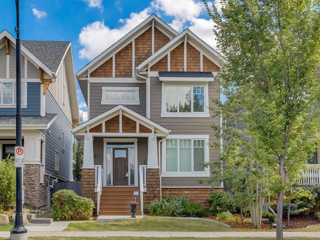 Main Photo: 3808 SARCEE Road SW in Calgary: Currie Barracks Detached for sale : MLS®# A1028243