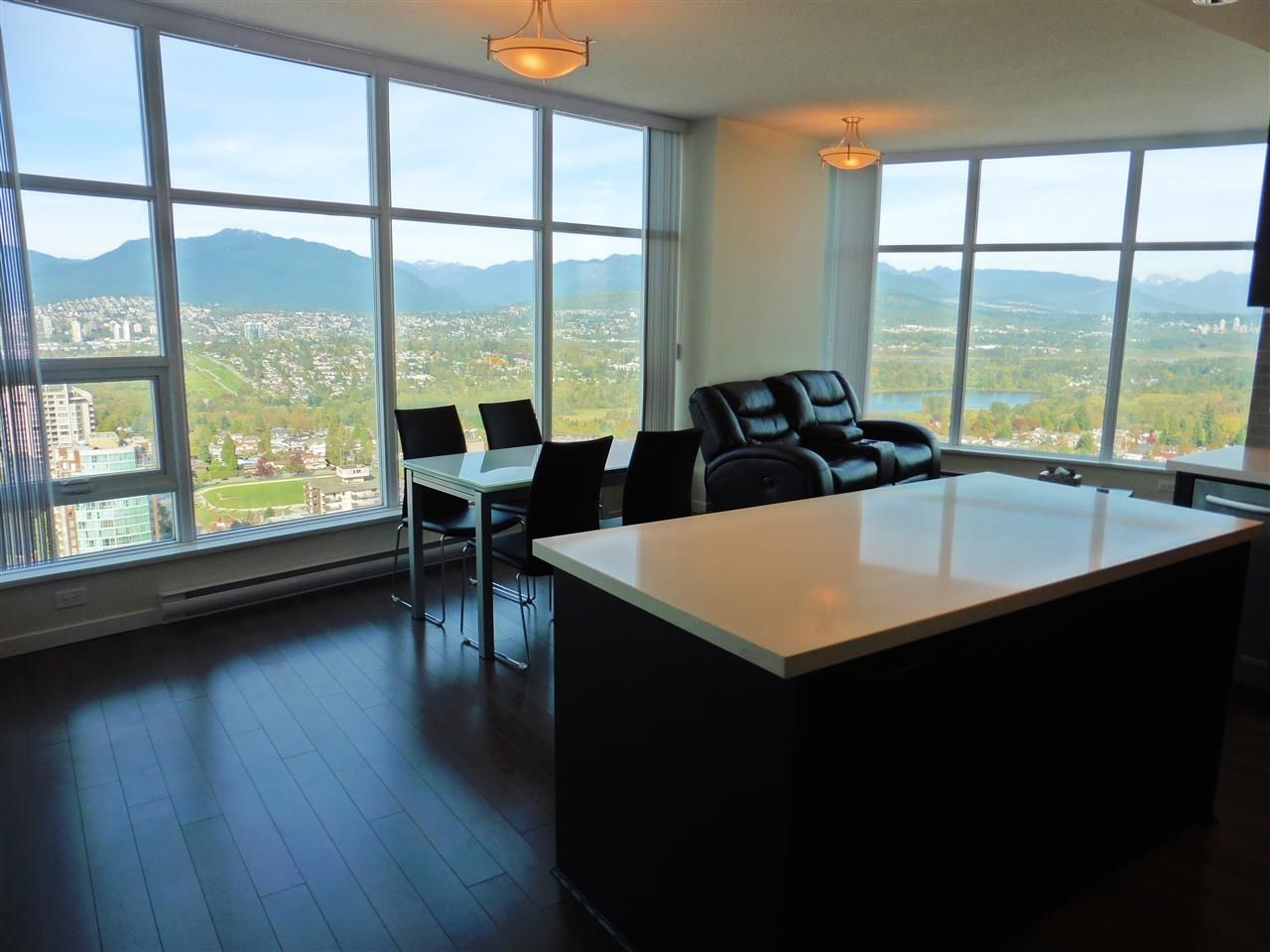 """Photo 15: Photos: 3702 4880 BENNETT Street in Burnaby: Metrotown Condo for sale in """"CHANCELLOR"""" (Burnaby South)  : MLS®# R2006395"""
