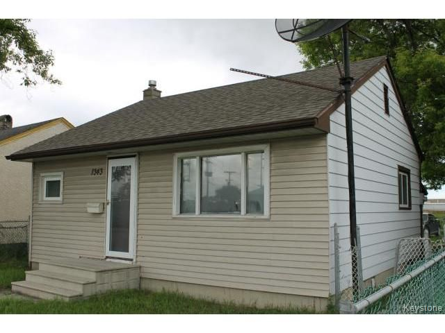 Main Photo: 1343 Logan Avenue in WINNIPEG: Brooklands / Weston Residential for sale (West Winnipeg)  : MLS®# 1415216