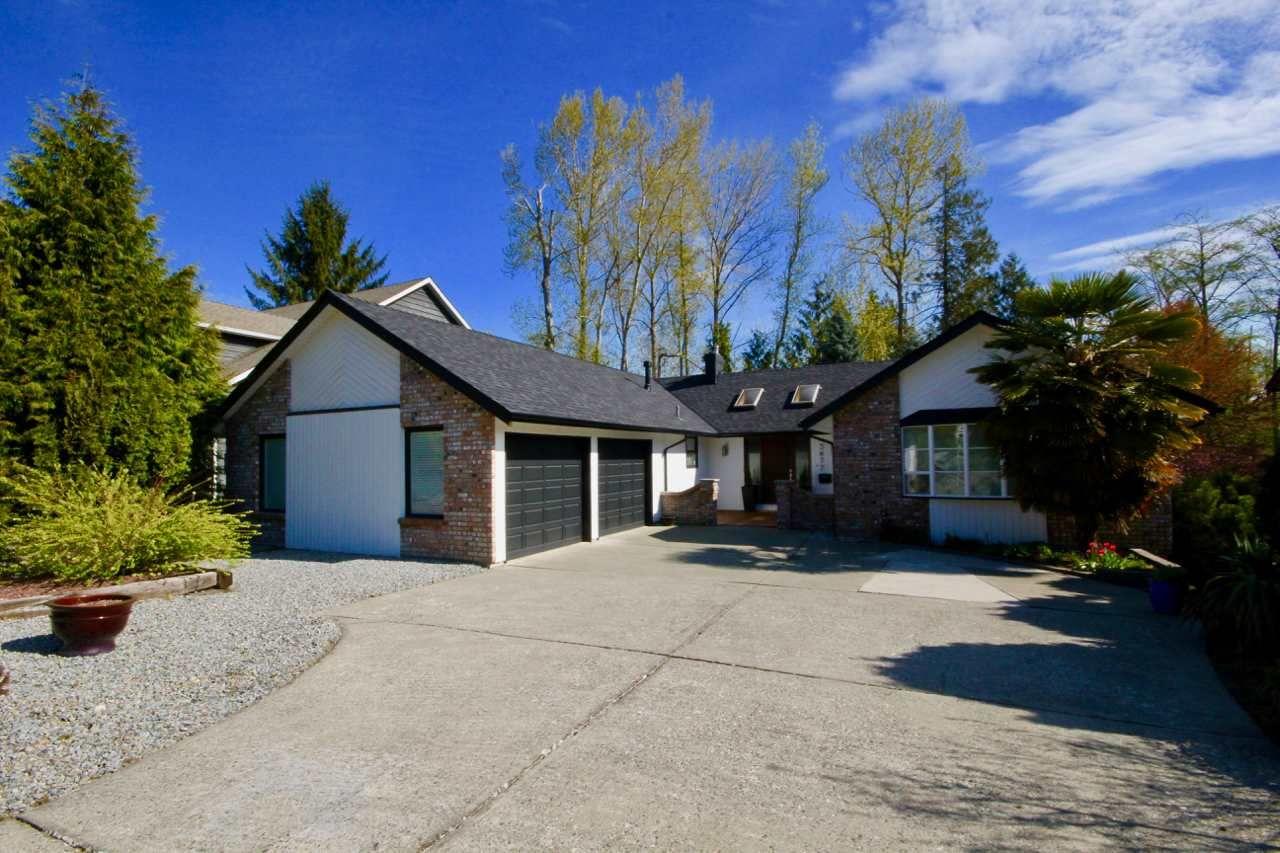 Main Photo: 5677 TIMBERVALLEY Road in Delta: Tsawwassen East House for sale (Tsawwassen)  : MLS®# R2445122