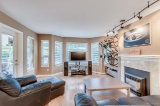 """Photo 4: 201 6707 SOUTHPOINT Drive in Burnaby: South Slope Condo for sale in """"MISSION WOODS"""" (Burnaby South)  : MLS®# R2037304"""