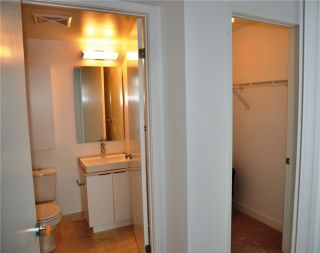 Photo 12: 14 York St Unit #4003 in Toronto: Waterfront Communities C1 Condo for sale (Toronto C01)  : MLS®# C3706392