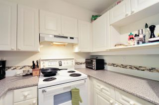 """Photo 3: 111 3738 NORFOLK Street in Burnaby: Central BN Condo for sale in """"THE WINCHELSEA"""" (Burnaby North)  : MLS®# R2074428"""