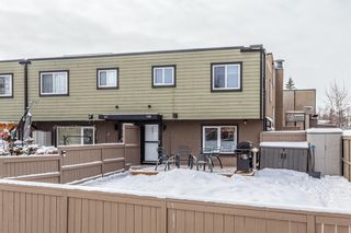 Main Photo: 168 3809 45 Street SW in Calgary: Glenbrook Row/Townhouse for sale : MLS®# A1068484