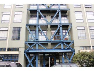"""Photo 1: 204 237 E 4TH Avenue in Vancouver: Mount Pleasant VE Condo for sale in """"THE ARTWORKS"""" (Vancouver East)  : MLS®# V1102209"""