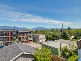 Photo 17: 865 E 10TH Avenue in Vancouver: Mount Pleasant VE 1/2 Duplex for sale (Vancouver East)  : MLS®# R2068935