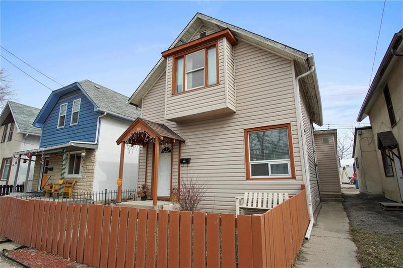 FEATURED LISTING: 370 Des Meurons Street Winnipeg