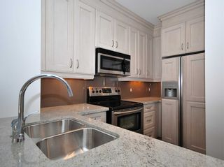 Photo 3:  in Toronto: Bridle Path-Sunnybrook-York Mills Condo for lease (Toronto C12)  : MLS®# C4646772