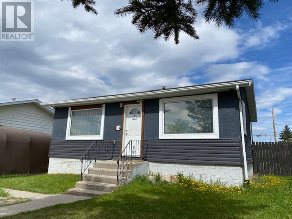WELCOME TO 114 MEADOW DRIVE IN HINTON, ALBERTA