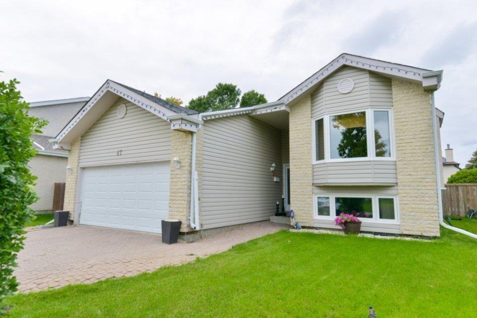 Main Photo: 47 Calder Bay in Winnipeg: Richmond West Residential for sale (1S)  : MLS®# 202014476
