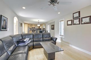 Photo 4: 1689 HECTOR Road in Edmonton: Zone 14 House for sale : MLS®# E4247485