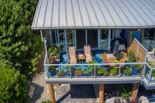 """Photo 3: 6500 WILDFLOWER Place in Sechelt: Sechelt District Townhouse for sale in """"WAKEFIELD BEACH - 2ND WAVE"""" (Sunshine Coast)  : MLS®# R2604222"""