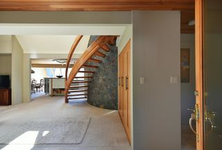 Photo 4: 6853 ISLAND VIEW Road in Sechelt: Sechelt District House for sale (Sunshine Coast)  : MLS®# R2610848
