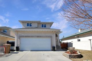 Photo 1: 3279 Thames Crescent East in Regina: Windsor Park Residential for sale : MLS®# SK849054