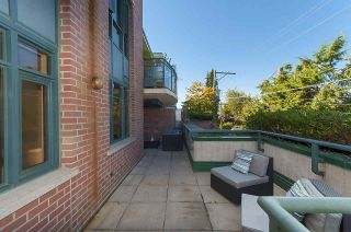 "Photo 15: 212 2665 W BROADWAY in Vancouver: Kitsilano Condo for sale in ""THE MAGUIRE BUILDING"" (Vancouver West)  : MLS®# R2209718"