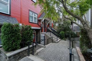"Photo 18: 2284 ST. GEORGE Street in Vancouver: Mount Pleasant VE Townhouse for sale in ""VANTAGE"" (Vancouver East)  : MLS®# R2313489"