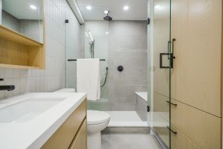 Photo 8: 2077 E 6TH Avenue in Vancouver: Grandview Woodland 1/2 Duplex for sale (Vancouver East)  : MLS®# R2622238