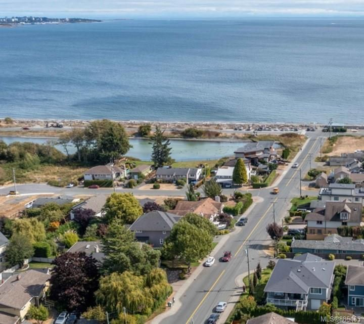 Main Photo: 3316 Lanai Lane in : Co Lagoon House for sale (Colwood)  : MLS®# 886465