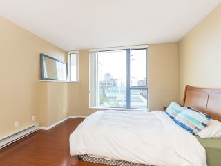 """Photo 13: 804 719 PRINCESS Street in New Westminster: Uptown NW Condo for sale in """"STIRLING PLACE"""" : MLS®# R2432360"""