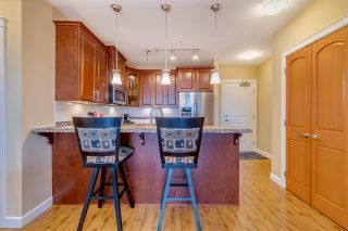 """Photo 3: 523 8067 207 Street in Langley: Willoughby Heights Condo for sale in """"Yorkson Creek - Parkside 1 (Bldg A)"""" : MLS®# R2451960"""