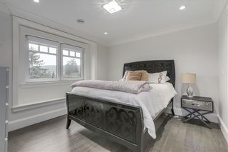 Photo 12: 3722 LONSDALE Avenue in North Vancouver: Upper Lonsdale House for sale : MLS®# R2575971