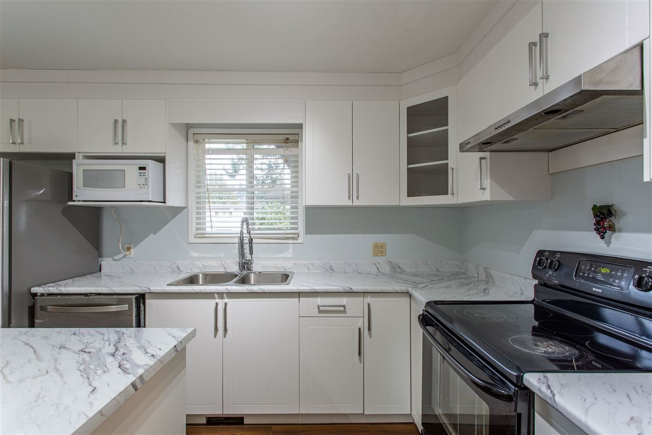 Main Photo: 1885 JACKSON Street in Abbotsford: Central Abbotsford House for sale : MLS®# R2538870