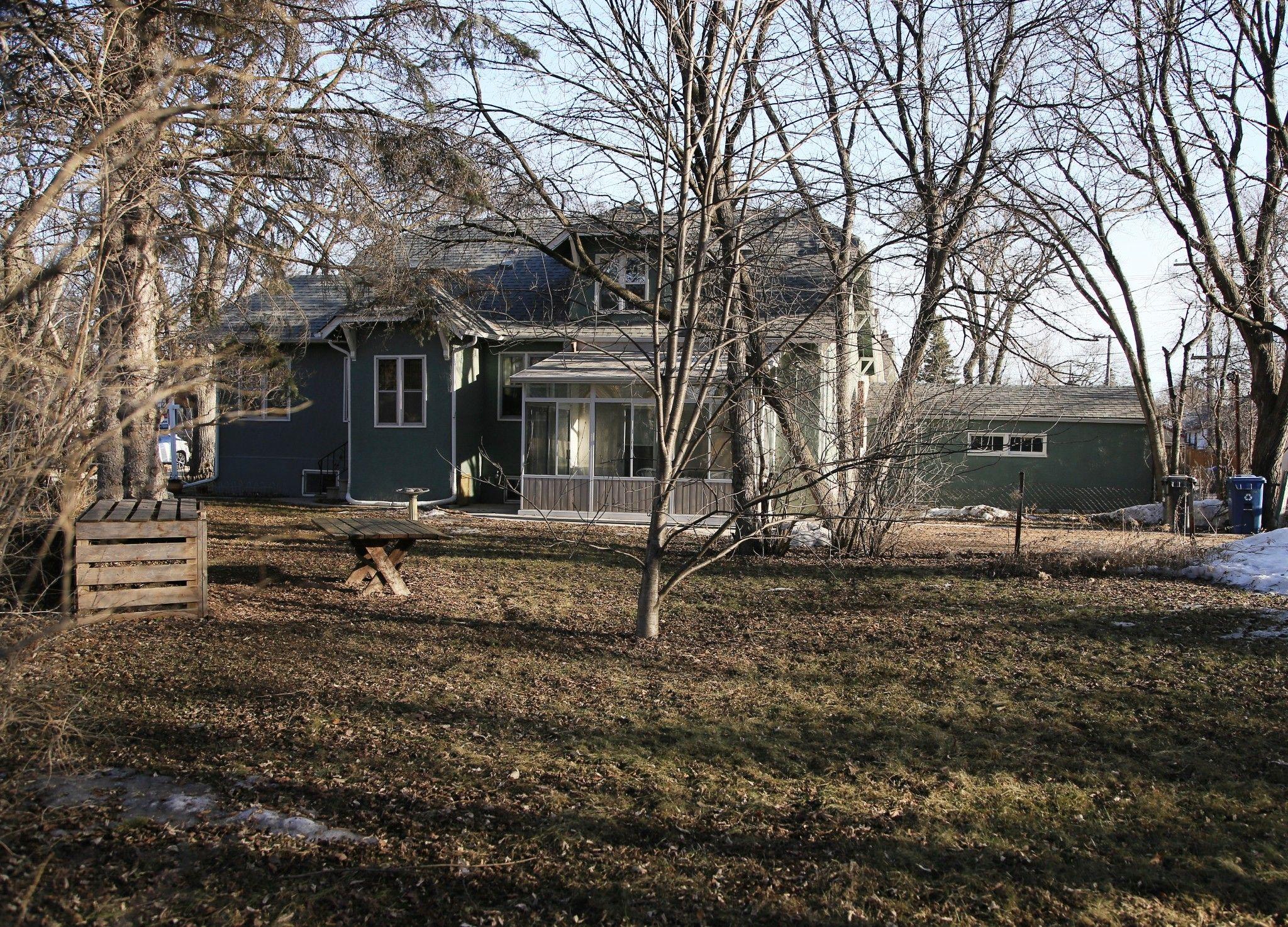 Photo 2: Photos: 109 Garfield Street South in Winnipeg: Wolseley Single Family Detached for sale (5B)  : MLS®# 1808340