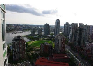 "Photo 9: 3306 1199 MARINASIDE Crescent in Vancouver: False Creek North Condo for sale in ""AQUARIUS 1"" (Vancouver West)  : MLS®# V836941"