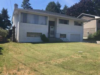 Photo 1: 1541 CHESTNUT Street: White Rock House for sale (South Surrey White Rock)  : MLS®# R2185573