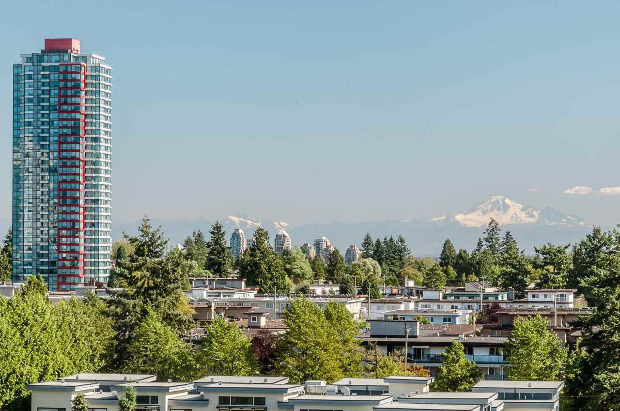 """Main Photo: 1007 6455 WILLINGDON Avenue in Burnaby: Metrotown Condo for sale in """"PARKSIDE MANOR"""" (Burnaby South)  : MLS®# R2207177"""