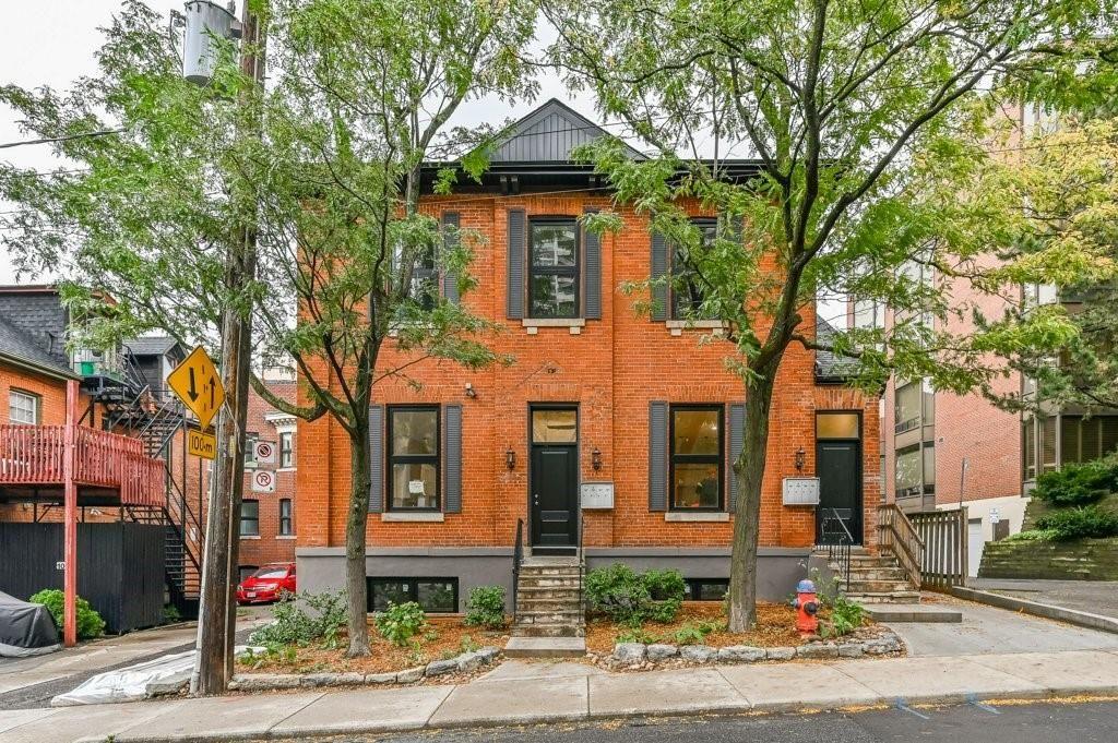Main Photo: B 139 South MacNab Street in Hamilton: House for rent : MLS®# H4065144