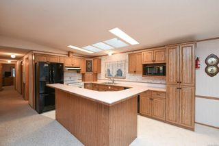 Photo 3: 25 4714 Muir Rd in : CV Courtenay East Manufactured Home for sale (Comox Valley)  : MLS®# 859854