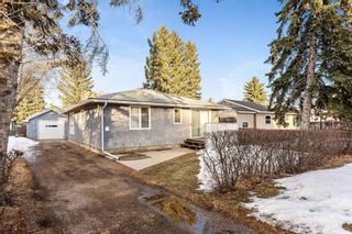 Photo 1: 8828 34 Avenue NW in Calgary: Bowness Detached for sale : MLS®# A1075550