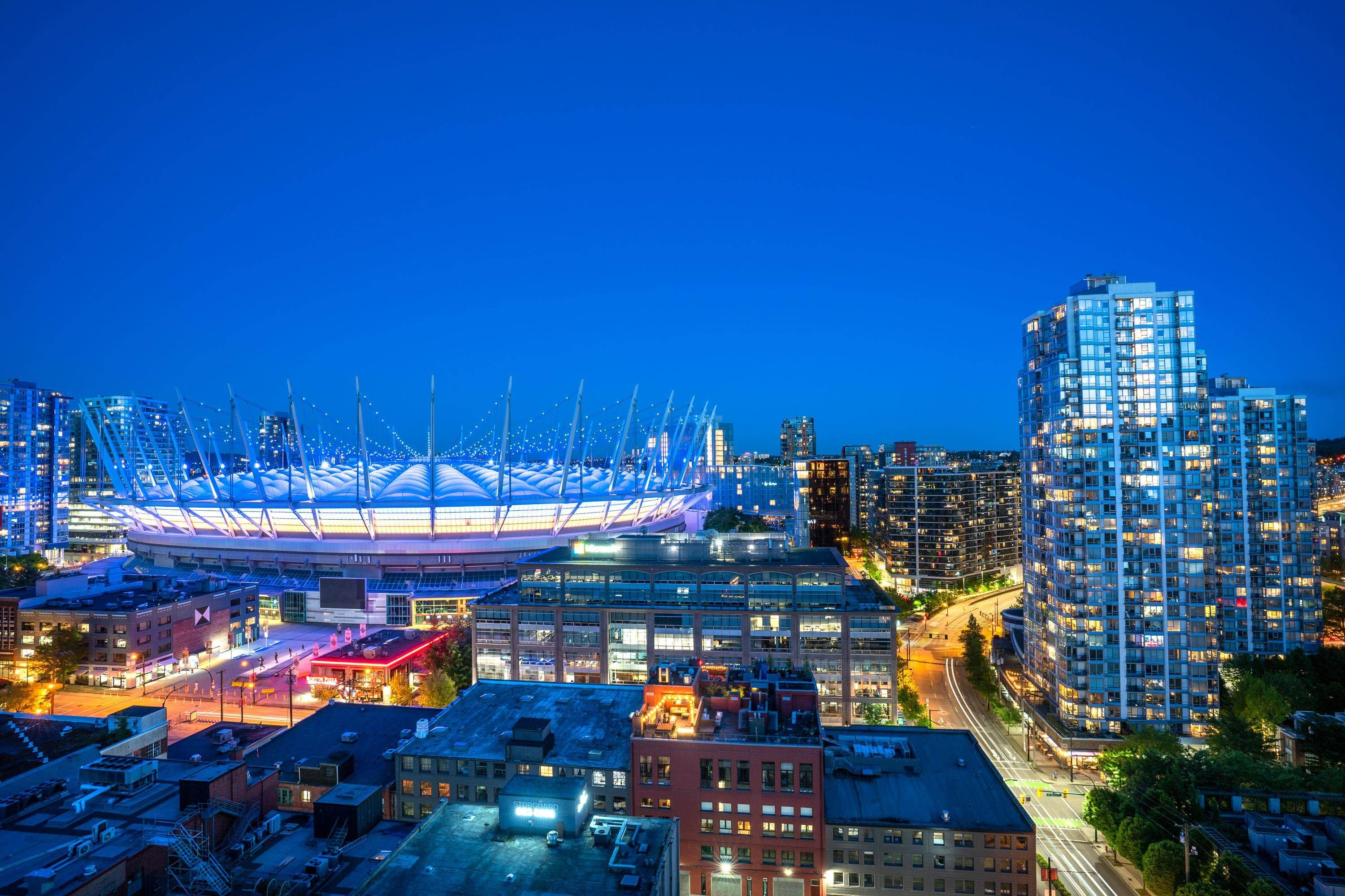Main Photo: 1702 885 CAMBIE STREET in Vancouver: Yaletown Condo for sale (Vancouver West)  : MLS®# R2615412