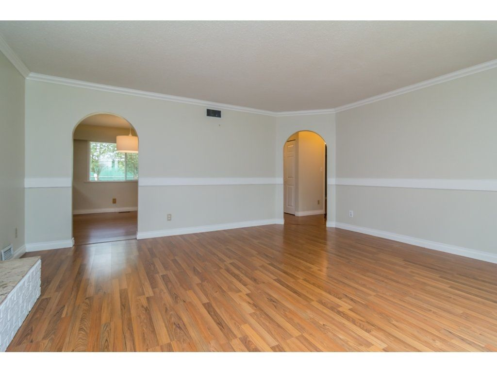 Photo 6: Photos: 9058 WRIGHT Street in Langley: Fort Langley House for sale : MLS®# R2104173