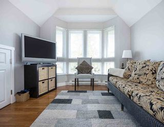 """Photo 13: 1 233 E 6TH Street in North Vancouver: Lower Lonsdale Townhouse for sale in """"ST ANDREWS HOUSE"""" : MLS®# R2023614"""
