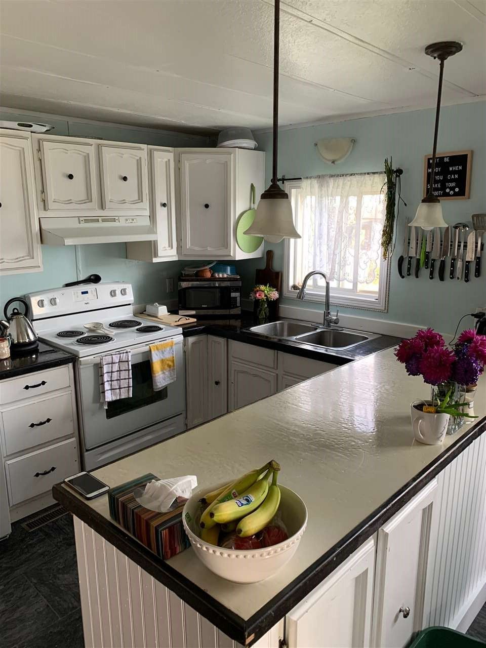 """Photo 6: Photos: 78 8420 ALASKA Road in Fort St. John: Fort St. John - City SE Manufactured Home for sale in """"PEACE COUNTRY"""" (Fort St. John (Zone 60))  : MLS®# R2495486"""