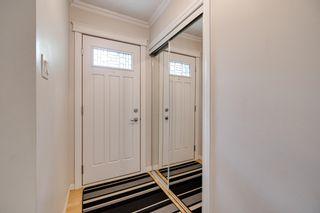 Photo 2: 5208 90 Avenue in Edmonton: Zone 18 House for sale : MLS®# E4247858