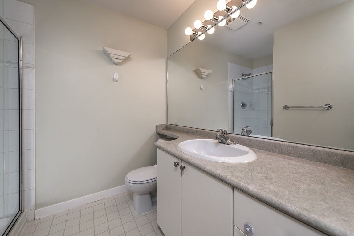 """Photo 11: Photos: 404 1438 PARKWAY Boulevard in Coquitlam: Westwood Plateau Condo for sale in """"MONTREUX"""" : MLS®# R2161413"""