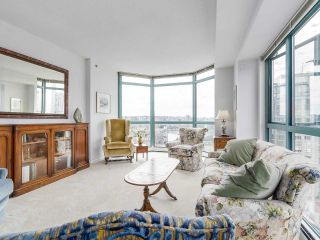 "Photo 1: 2005 212 DAVIE Street in Vancouver: Yaletown Condo for sale in ""Parkview Gardens"" (Vancouver West)  : MLS®# R2218956"