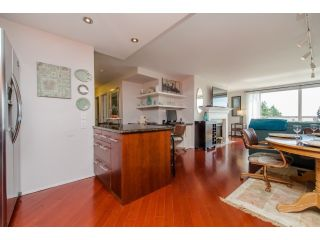 """Photo 5: 707 15111 RUSSELL Avenue: White Rock Condo for sale in """"PACIFIC TERRACE"""" (South Surrey White Rock)  : MLS®# R2074159"""