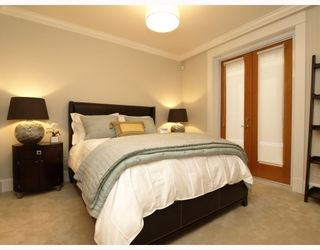 """Photo 7: #2 1891 Marine in West Vancouver: Ambleside Condo for sale in """"Park view place"""" : MLS®# V796758"""