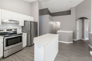 Photo 4: 751 ORMSBY Road W in Edmonton: Zone 20 House for sale : MLS®# E4253011