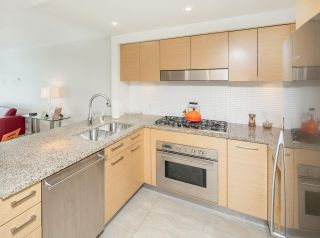 """Photo 10: 405 6018 IONA Drive in Vancouver: University VW Condo for sale in """"Argyll House West"""" (Vancouver West)  : MLS®# R2178903"""