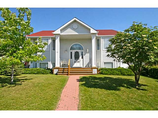 Welcome to 34 Westridge Crescent.  View more photos here: http://tinyurl.com/mxrb2e6